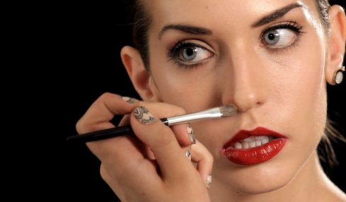 Best Makeup Tips For Making Your Face Look Thinner