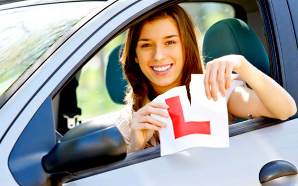 How Driving Lessons In Galway Build Your Confidence