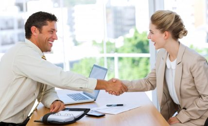 4 Essentials That Recruiters See On Your Resume