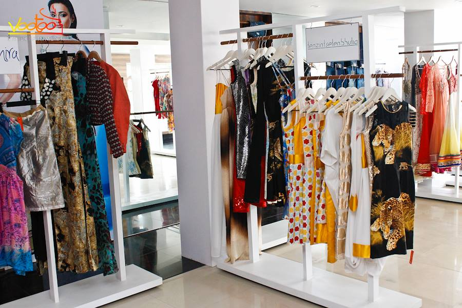 4 Awesome Reasons Why Online Designer Consignment Shops Are The Best!