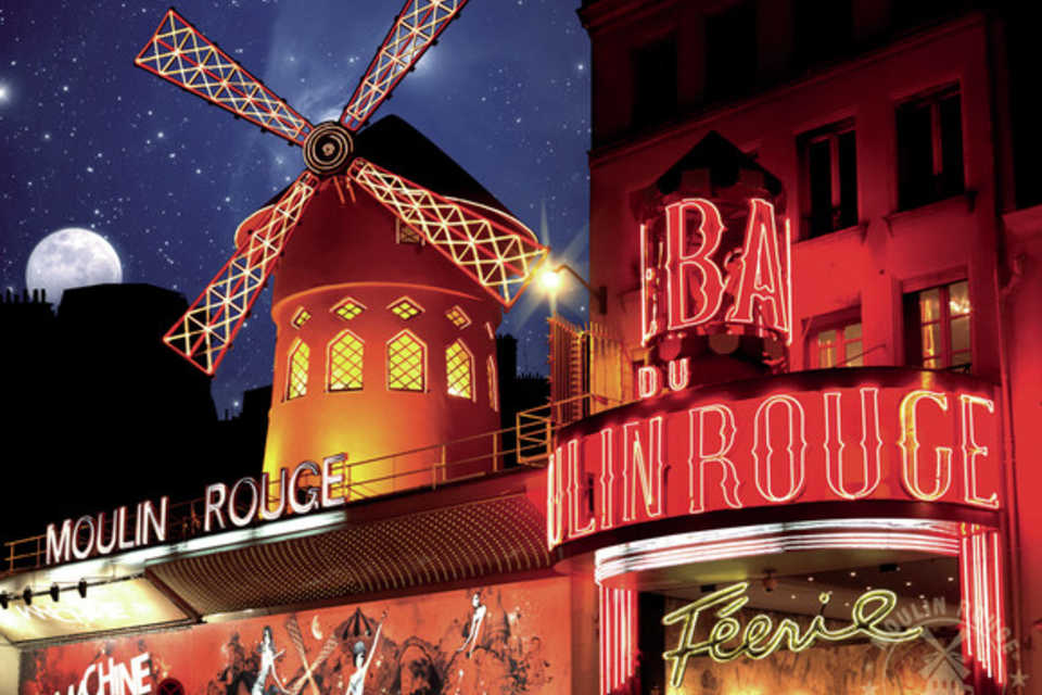 Moulin Rouge - A Luxurious Theater Where You Get To See Breathtaking Performances