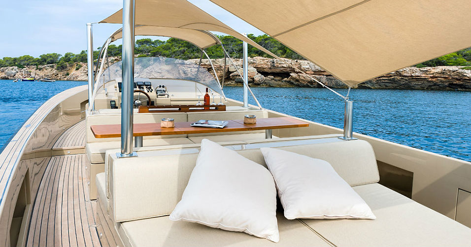 Why Every Owner Of A Boat Prefers Teak Flooring?