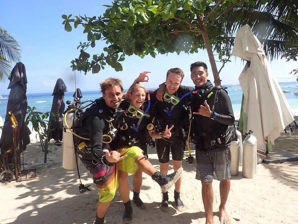 Becoming A Dive Master By Booking For A PADI Internship