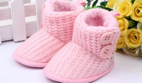 Reasons To Covering The Pretty Little Feet With Woolen Socks