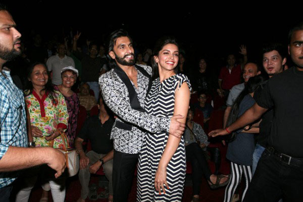Deepika and Ranveer Singh All Set For Exchanging Garlands In 2016