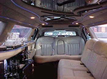 Corporate Benefits Of Hiring A Chauffeured Limousine