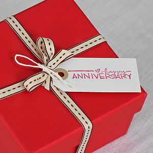 How To Pick An Anniversary Gift