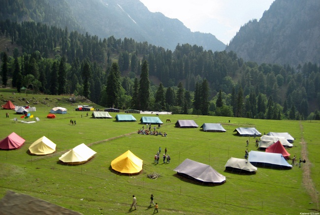 10 Popular Places In India You Should Camp At