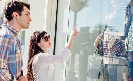 Window Shoppers and Display Mannequins-What The Study Revealed