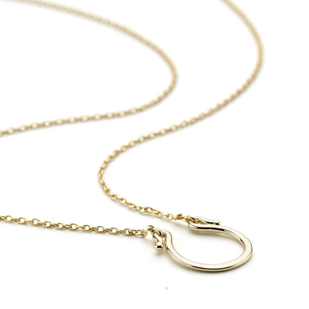 horseshoe_plain_charm_necklace_yellow_gold_vermeil_over_silver_one_by_one__06099144224661412801280