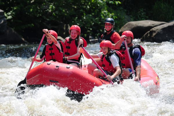3 Reasons White Water River Rafting Is The Ultimate Vacation Activity