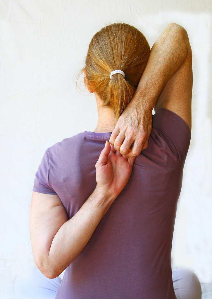 Put an End To Your Shoulder Pain With Chiropractic Treatment