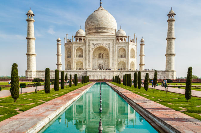 Treat Your Loved Ones With Vacation To India