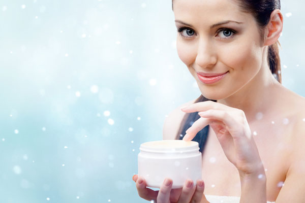 How To Keep Your Skin Smooth And Glowing This Winter Season