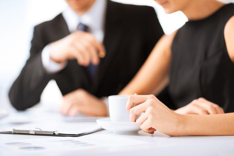 How Do I Become A Legal Secretary?