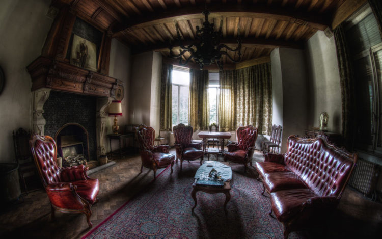 Characteristics Of Gothic Furniture