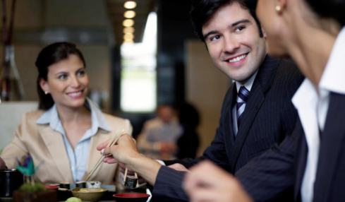 Surviving A Business Dinner: 5 Tips To Help You Do It Right