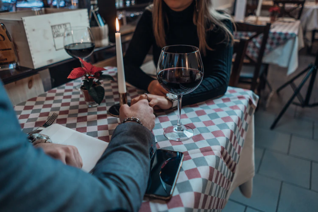 The Best Way to Impress A Man After 50 On The First Date